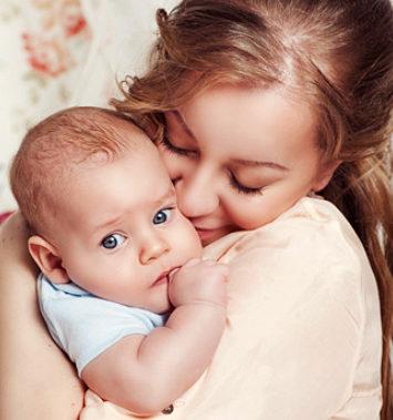 Захист прав мами та дитини